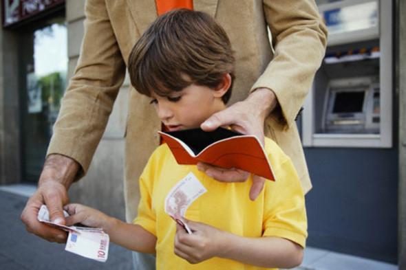 Если отец лишён родительских прав, должен ли он платить алименты