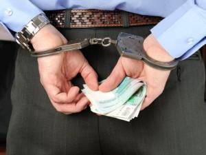 Какая отвественность грозит за неуплату алиментов уголовная или административная