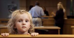 child-in-court_cr