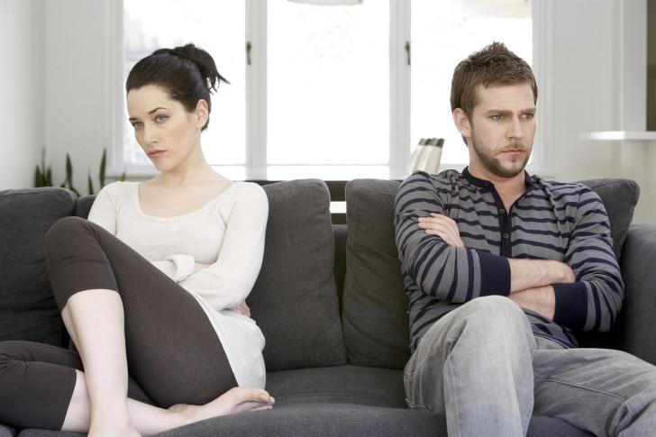 Как ведет себя мужчина, если он разлюбил жену: признаки того, что муж больше не любит
